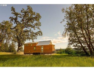 Eugene Single Family Home For Sale: 1 Skyridge Dr