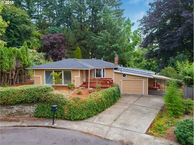 Lake Oswego Single Family Home For Sale: 16880 Cortez Ct