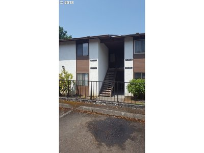 Clackamas County, Columbia County, Jefferson County, Linn County, Marion County, Multnomah County, Polk County, Washington County, Yamhill County Condo/Townhouse For Sale: 3351 NE 162nd Ave