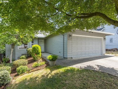 Milwaukie Single Family Home For Sale: 11252 SE 30th Ave