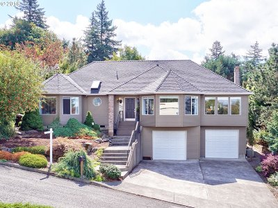 Milwaukie, Clackamas, Happy Valley Single Family Home For Sale: 9240 SE Philips Pl