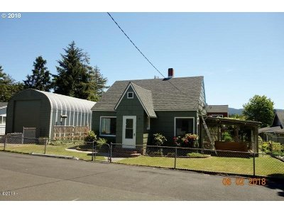 Lincoln City Single Family Home For Sale: 6436 SW Ebb Ave