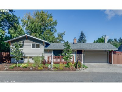 Portland Single Family Home For Sale: 15421 SE Francis St