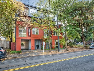 Portland Condo/Townhouse For Sale: 1974 NW Lovejoy St #5