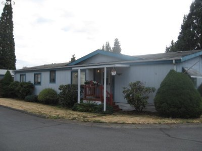 Milwaukie Single Family Home For Sale: 7918 SE King Rd #5