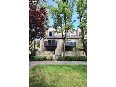 Portland Condo/Townhouse For Sale: 2785 NW Upshur St #A