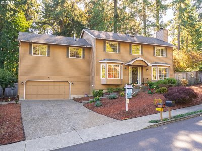 Clackamas County Single Family Home For Sale: 5220 Windsor Ter