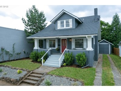 Portland Single Family Home For Sale: 525 NE 73rd Ave