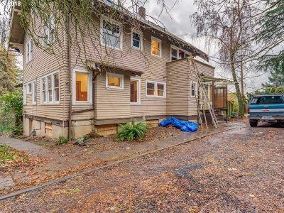 Portland Single Family Home For Sale: 643 SE 74th Ave