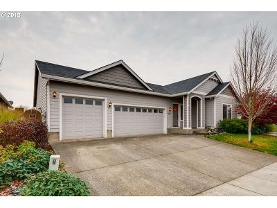 Molalla Single Family Home For Sale: 746 Burghardt Dr