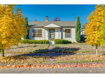 Portland Single Family Home For Sale: 6607 SE 84th Ave