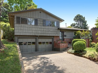 Single Family Home For Sale: 1212 SW Chestnut Dr