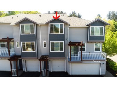 Tigard Condo/Townhouse For Sale: 10749 SW Canterbury Ln #103