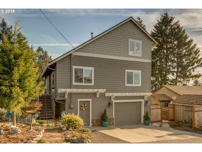 West Linn Single Family Home Bumpable Buyer: 2085 Oak St
