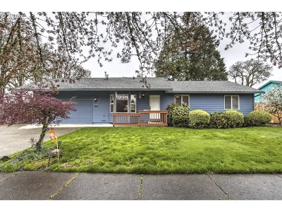 Hillsboro, Cornelius, Forest Grove Single Family Home For Sale: 472 Willamina Ave
