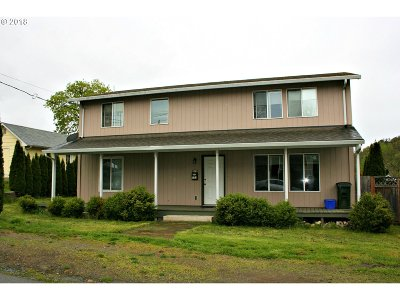 Roseburg Single Family Home For Sale: 153 SE Templin Ave