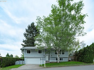 Single Family Home For Sale: 1952 SE Kelly Ave