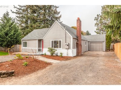 Portland Single Family Home For Sale: 2735 SE 130th Ave