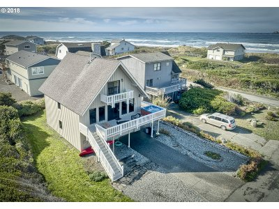 Gold Beach Single Family Home For Sale: 93890 Pebble Pl