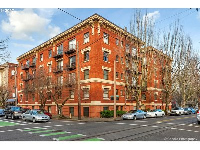 Portland Condo/Townhouse For Sale: 1829 NW Lovejoy St #208