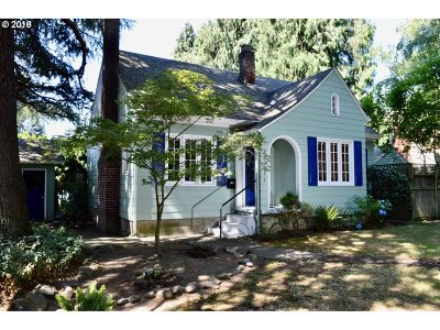 Milwaukie Single Family Home For Sale: 19015 SE River Rd