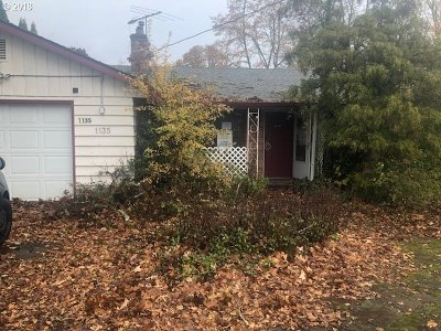 Hillsboro Single Family Home For Sale: 1135 E Main St
