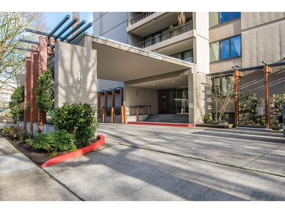 Condo/Townhouse For Sale: 255 SW Harrison St #10C