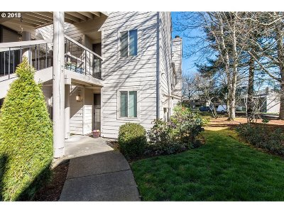 Condo/Townhouse For Sale: 11683 SW Boones Bend Dr #5-2D