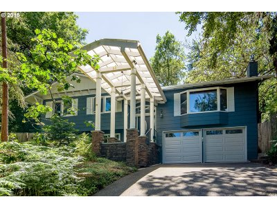Eugene Single Family Home For Sale: 50 Coachman Dr