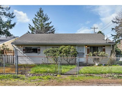 Portland Single Family Home For Sale: 7205 SE 68th Ave