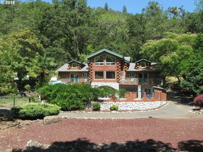 Roseburg Single Family Home For Sale: 535 San Souci Dr