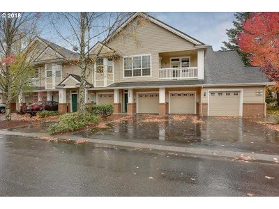 West Linn Condo/Townhouse For Sale: 4345 Summerlinn Dr