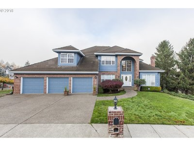Multnomah County Single Family Home For Sale: 7837 SE 111th Ave