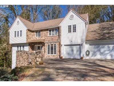 West Linn Single Family Home For Sale: 1450 Wisteria Rd