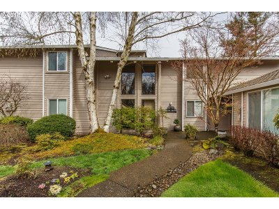 Wilsonville Condo/Townhouse For Sale: 8275 SW Mariners Dr