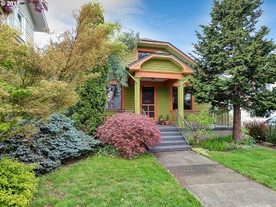 Single Family Home For Sale: 4264 SE Alder St