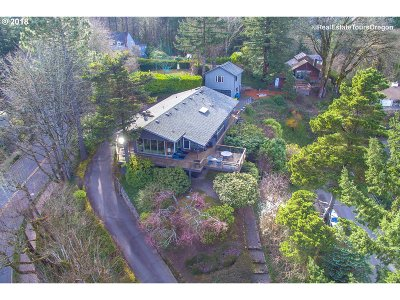Portland Single Family Home For Sale: 3103 SW Fairview Blvd