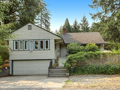 Portland Single Family Home For Sale: 3324 SW Stephenson St