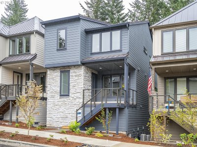 Single Family Home For Sale: 9032 SW Salmon St