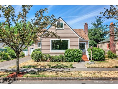 Portland Single Family Home For Sale: 3145 SE 76th Ave