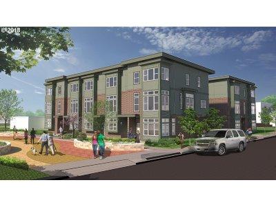 Gresham Multi Family Home For Sale: 4th NE Beech Ave
