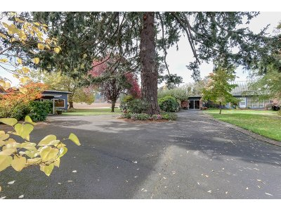 Cottage Grove, Creswell Single Family Home For Sale: 33940 E Cloverdale Rd