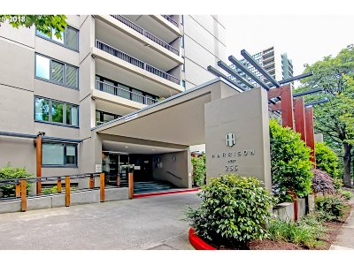 Condo/Townhouse For Sale: 255 SW Harrison St #14B