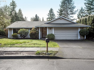 Tualatin Single Family Home For Sale: 8882 SW Arapaho Rd