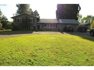 Hillsboro Single Family Home For Sale: 4915 NE Sewell Ave