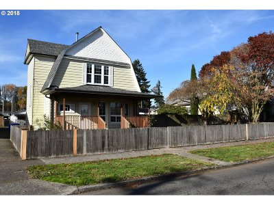 Cowlitz County Single Family Home For Sale: 913 S 4th Ave