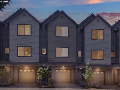 Tigard Single Family Home For Sale: 11291 SW Hallmark Ter