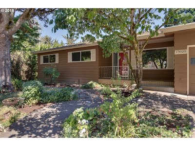 Lake Oswego Single Family Home For Sale: 17020 Chapin Way