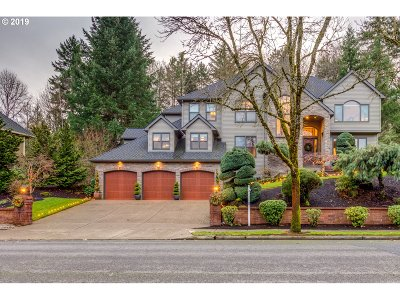 West Linn Single Family Home For Sale: 2841 Beacon Hill Dr