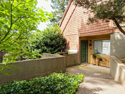 Lake Oswego Condo/Townhouse For Sale: 21 Oswego Smt